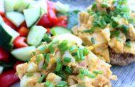 سالاد تخم مرغ و مرغ یک غذا برای دیابتی ها
